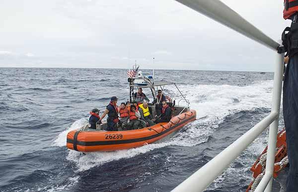 День береговой охраны США Береговая охрана США в работе